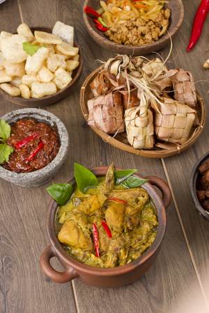 opor ayam, Indonesian chicken curry Stock Photo - 83154817
