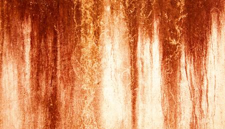 Blut Textur Hintergrund. Textur der Betonwand mit blutigen roten Flecken. Halloween-Hintergrund.