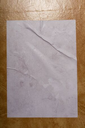 Wet white paper glued to the wall. Wet paper texture. - image Banque d'images