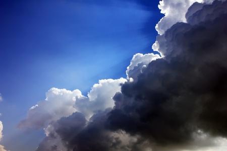 stormy sky: A stormy sky