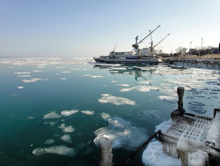 Winter sea Stock Photo - 12198874