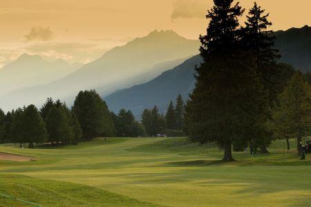 クラン ・ モンタナ ゴルフ コース 写真素材