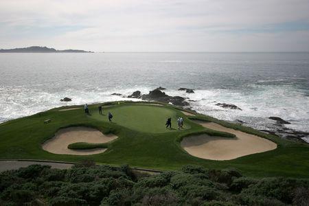golf of california: Pebble beach golf, hole 7, california
