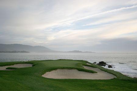 carmel: Golf de la playa del guijarro, agujero 7, California