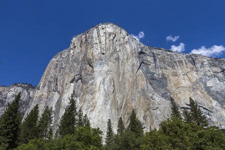 el: World famous rock climbing wall of El Capitan Yosemite national park California usa