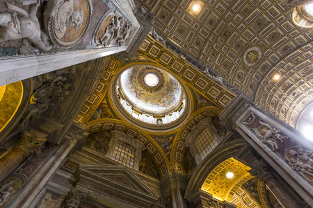 saint peter: VATICAN CITY, VATICAN � JUNE 15, 2015 : interiors and architectural details of Basilica of saint Peter, june 15, 2015, in Vatican city, Vatican Editorial