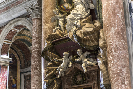 basilica of saint peter: VATICAN CITY, VATICAN � JUNE 15, 2015 : interiors and architectural details of Basilica of saint Peter, june 15, 2015, in Vatican city, Vatican Editorial