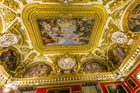 medici: FLORENCE, ITALY, OCTOBER 28, 2015 : interiors and architectural details of Palazzo Pitti, october 28, 2015 in Florence, Italy Editorial