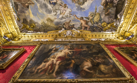 architectural interiors: FLORENCE, ITALY, OCTOBER 28, 2015 : interiors and architectural details of Palazzo Pitti, october 28, 2015 in Florence, Italy Editorial