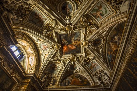 VATICAN CITY, VATICAN, JUNE 12, 2015 : interiors and architectural details of Raphael rooms in Vatican museum, june 12, 2015, in Vatican city, Vatican Redactioneel