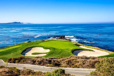 Campo de golf Pebble Beach, Monterey, California, EE.