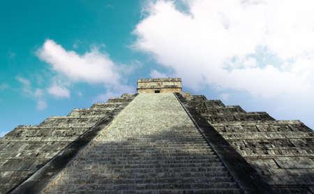 Maya Pyramid in Chichen Itza ruins, Yucatan, Mexico