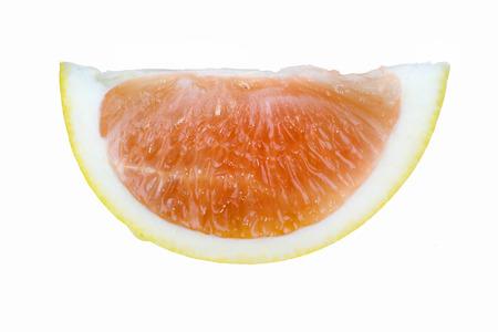 médula: Segmento Pomelo aislado en el fondo blanco que muestra la médula corteza y pulpa de fruta Foto de archivo