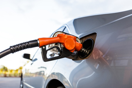 octane: Refill and filling Oil Gas Fuel at station