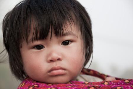arme kinder: CHIANG MAI, THAILAND - DEC. 15: Poor children in countryside on Dec 15, 2015 in Chiang Mai, Thailand.
