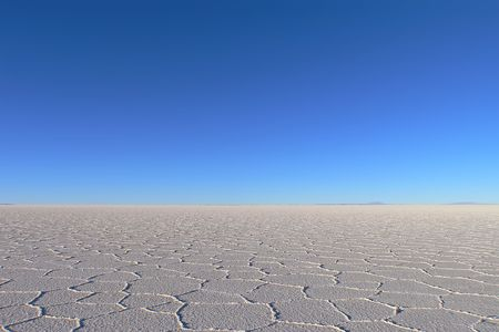 Horizon of salt desert taked at Salar de Uyuni Bolivia Stock Photo - 3720584