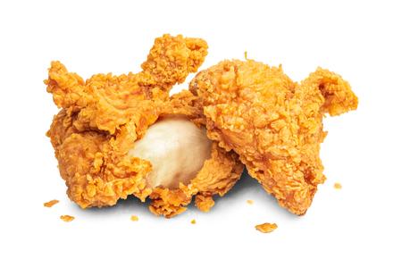 Gebratenes Huhn auf Hintergrund isoliert. Frittiert von knusprigem Fast Food.