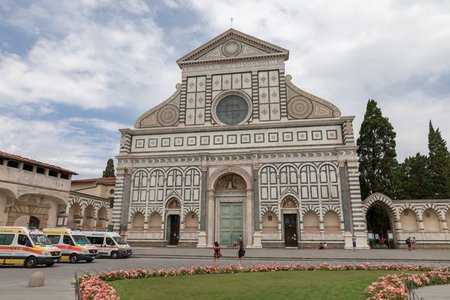 Florence, Italy - June 24, 2018: Panoramic view of exterior of Basilica of Santa Maria Novella. it is the first great basilica in Florence, and is the city's principal Dominican church Редакционное