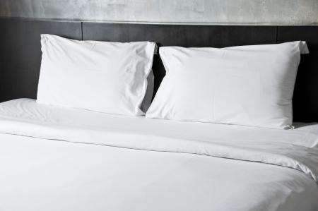 łóżko: Puste łóżko Zdjęcie Seryjne