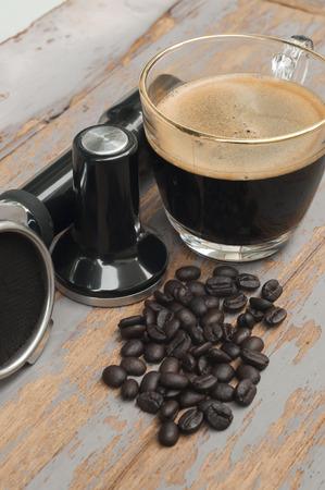 hot temper: Equipo de café y café caliente