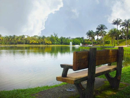titiwangsa: panaromic view from single bench at the lake side Stock Photo