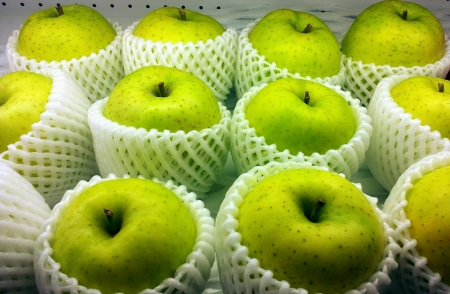 Fresh bright green apples