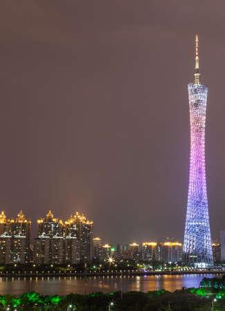 composition vertical: Composizione verticale vista Guangzhou Torre