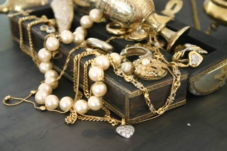 jewellery box: Treasure