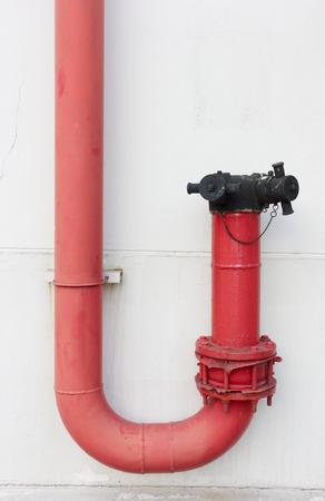 red tube: red pipe tubi di fumo per vigile del fuoco da utilizzare Archivio Fotografico