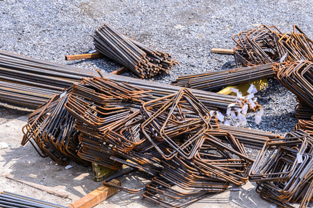 reinforcing bar: Rusty rebar for concrete reinforcement at construction site. Stock Photo