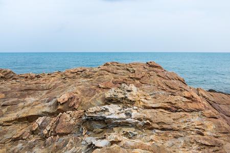 samet: Tranquil scene of cliff with seascape view at Khao Laem Ya, Mu Ko Samet National Park in Thailand. Stock Photo