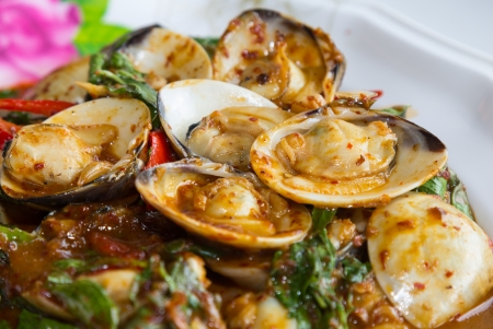 Stir fried shellfish with chili sauce