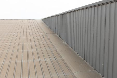 Metalldach. Standard-Bild - 39763842