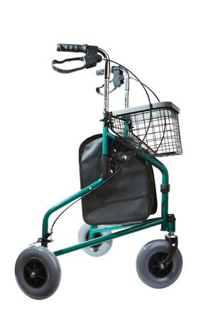 Rollstuhl für Rentner, für einfache Bewegung mit einem Korb für die Produkte.