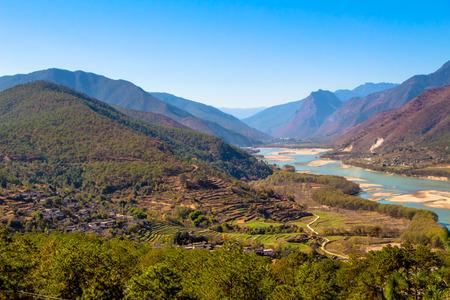 yangtze river: first curve yangtze river