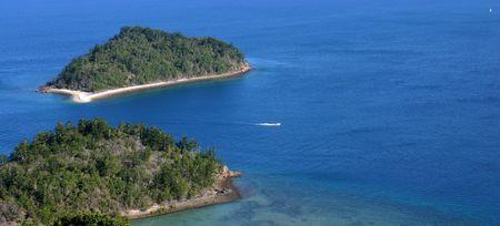 whitsundays: Australia, Whitsundays. South Mole Island.