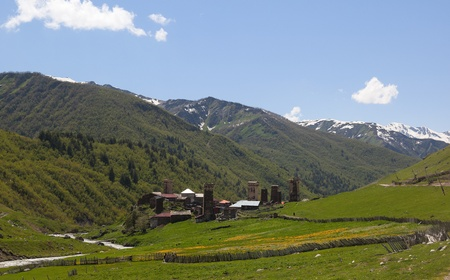 svaneti: Ushguli - la aldea habitada m�s alta en Europa. Svaneti superior. Georgia. Foto de archivo