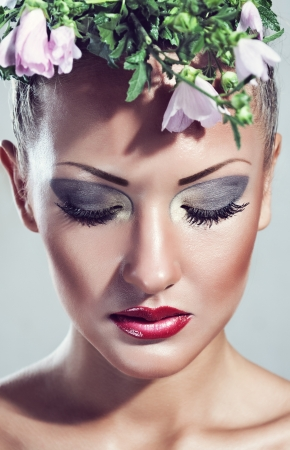 beautiful young woman , with beauty glamour makeup ,make-up Stock Photo - 15589945