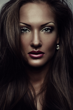 eye brow: beautiful woman , with glamour makeup , perfect skin, fashion model