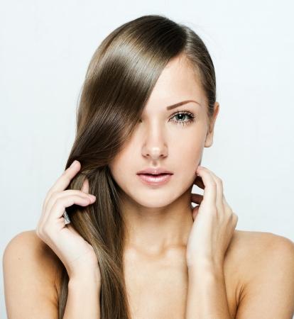 beautiful woman with long natural shiny hair , brown hair Stock Photo - 15966097