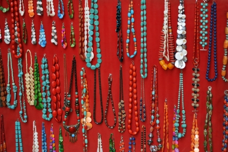 necklace retail market photo