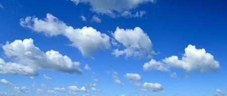cielo azul: Cielo azul.
