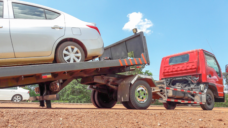 truck for emergency car move Standard-Bild