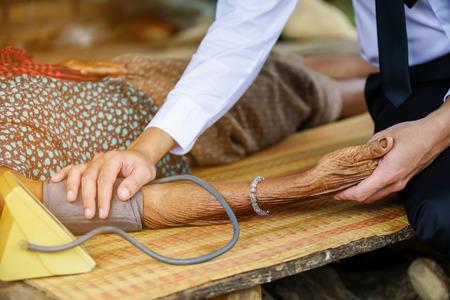 家庭医学科訪問農村における高齢者の女性