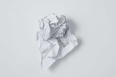 Crumpled paper document receipt of service invoice. White background. Banque d'images
