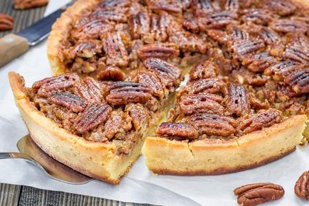 pecan pie: pastel de nuez casera clásica americana