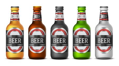 Verschillende kleuren flessen bier sjabloon op een witte achtergrond - realistische vector illustratie