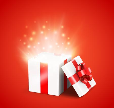 Abra la caja de regalo roja con los rayos luminosos y los destellos brillantes adentro. Ilustración del vector.
