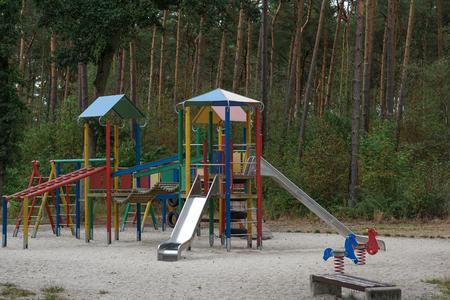 Children's Playground, pine forest Standard-Bild - 117151699