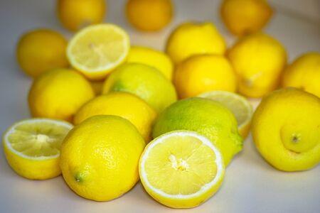 Close-up of lemon on background Bokeh 版權商用圖片